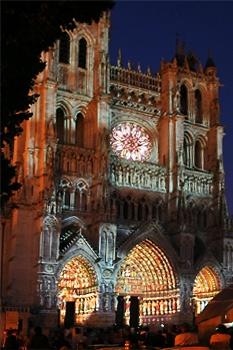 amiens-la-cathedrale-en-couleurs-1.jpg
