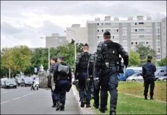 Amiens-40-jours-apres-les-violences-Valls-inaugure-la-future-ZSP_reference.jpg